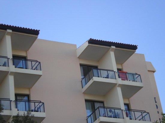 Pestana Dom Joao II: room with balcony