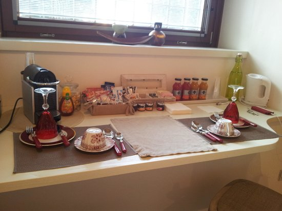B&B Santo Stefano : l area colazione della nostra stanza