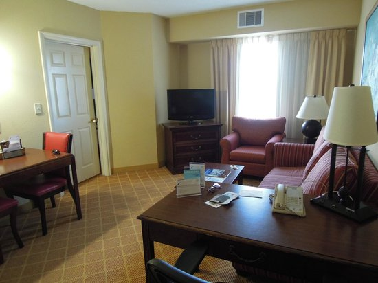 Residence Inn Charleston Downtown/Riverview: View upon entering