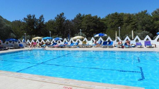 Tumen Hotel : Very clean pool area