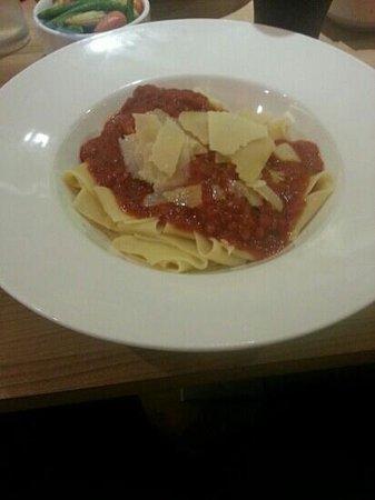 Ibis Styles Birmingham Airport NEC: Worst pasta meal since my student days.
