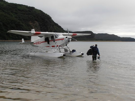 Kingfisher Aviation: Glenn bringing in our float plane