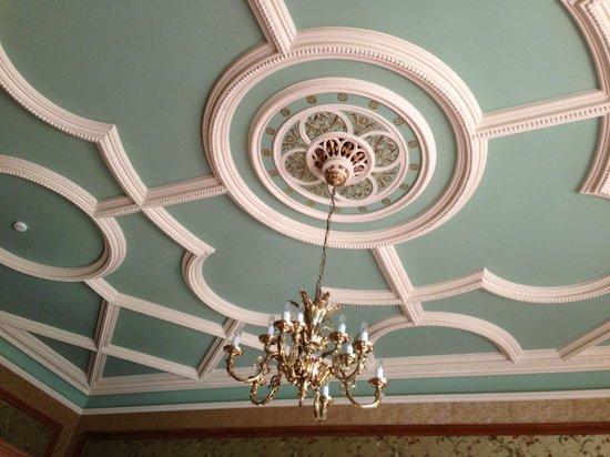 Cornhill Castle Hotel: beautiful ceilings