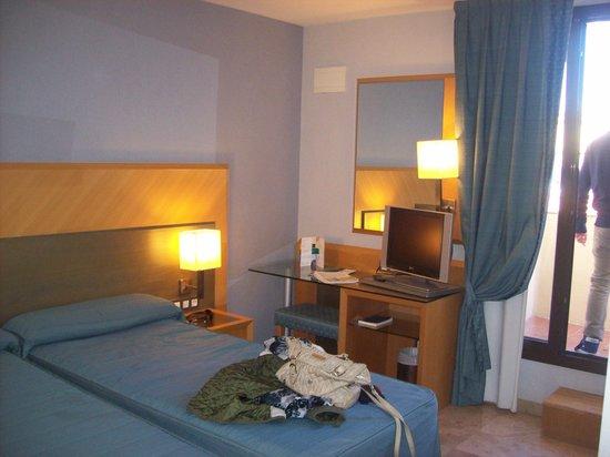Hotel Del Mar: Hotel room
