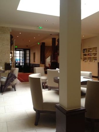 Hotel de l'Universite : lobby/breakfast area
