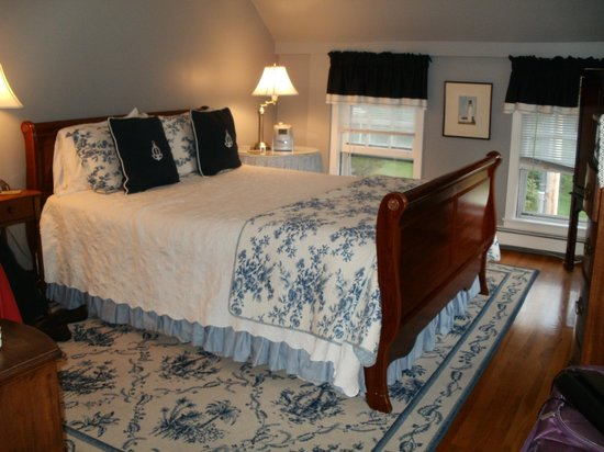 Whalewalk Inn & Spa: Comfy queen size bed
