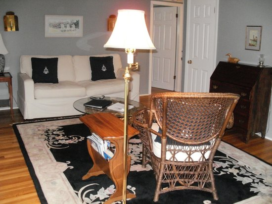 Whalewalk Inn & Spa : Living/dining room