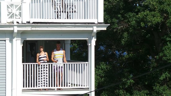 Yankee Clipper Inn: Balcony