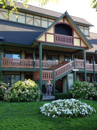 Best Western Windsor Inn : Pretty grounds