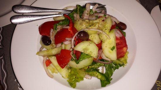 Ladokolla : greek salad