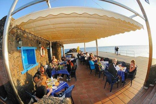 Restaurante bar playa terraza picture of bar playa tias for Terraza bar