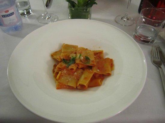Hotel Forum Pompei : prato no restaurante do hotel