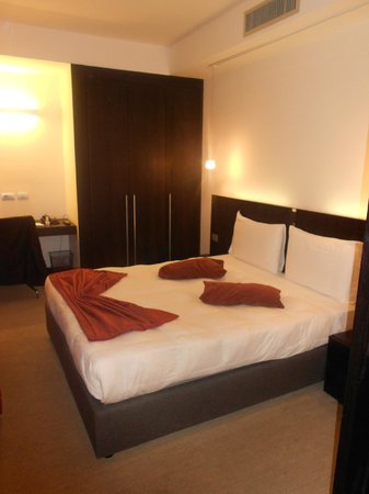 Excel Hotel Roma Ciampino: Camera da letto