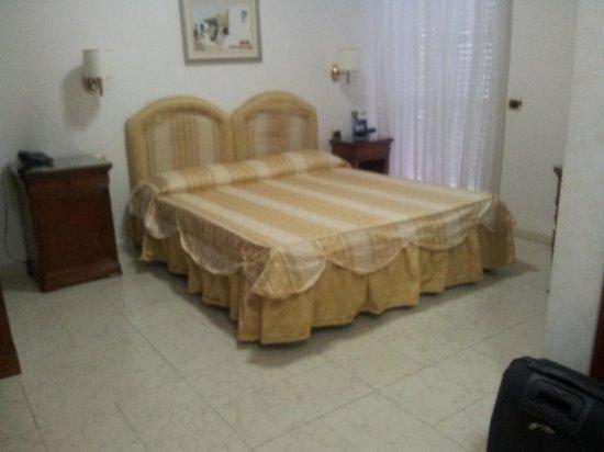 Mariano IV palace hotel: Room