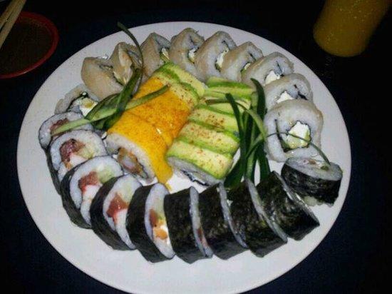 Pura Vida Sushi & roots bar: 3 portions of sushi from Pura Vida. Fantastic!