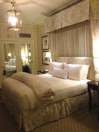 The Hay-Adams: Amazing bedroom