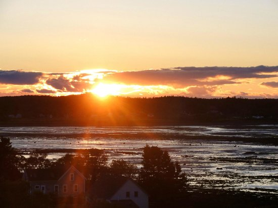 West Quoddy Head Station: Gorgeous sunsets