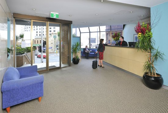 Metro Apartments On Darling Harbour: Friendly staff