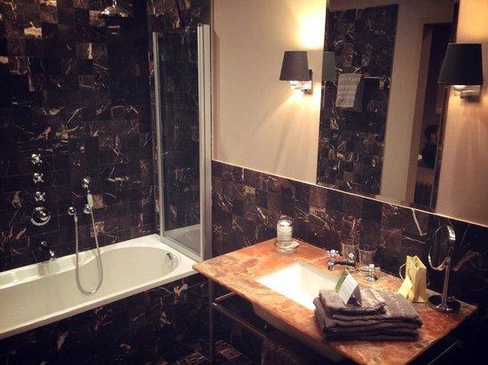 Huis Koning : Très belle salle de bain