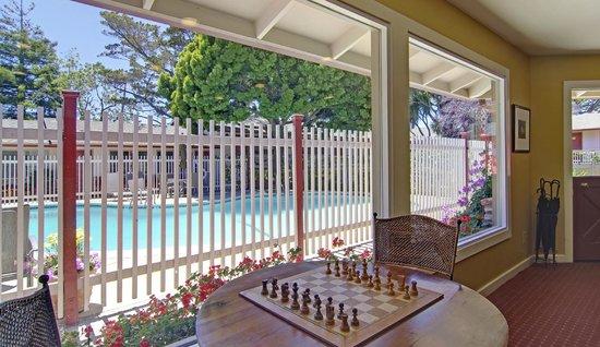 Svendsgaard's Inn: Pool & Lobby