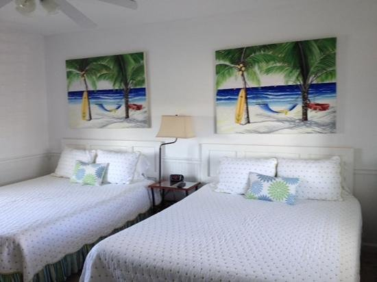 Waterway Inn: very bright well decorated rooms
