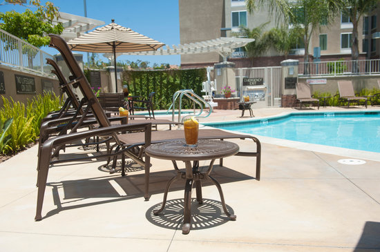 Hyatt Place San Diego/Vista-Carlsbad: Our heated outdoor pool is open from 6am to 10pm