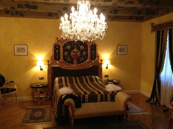 Alchymist Grand Hotel & Spa: The room