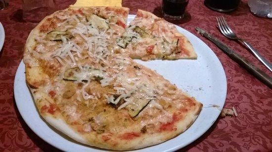 Trattoria Pizzeria Via Coviello: Pizza Coviello