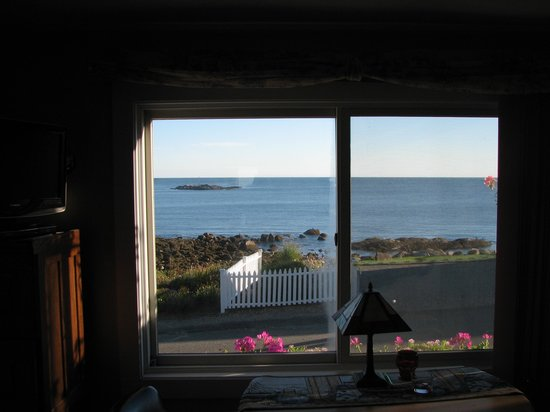 Beach Knoll Inn: Fantastic view from windows