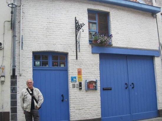 Baert Bed & Breakfast: Front entrance to Baert's B & B
