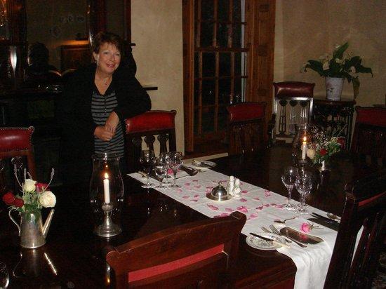 Palmiet Valley Wine Estate & Boutique Hotel: Dinner is served!!