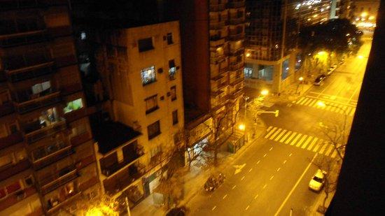 Uno Buenos Aires Suites: Vista do apartamento