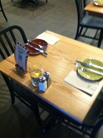 Evviva Cucina: dinner is here tonight.