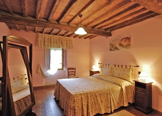 Agriturismo Borgo del Sole: Una delle camere matrimoniali