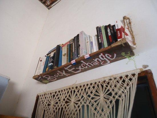 Casa Coco Verde - Pousada & Hostel: empréstimos de livros