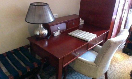 Baolong Thames Holiday Hotel: 雙床房