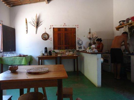 Casa Coco Verde - Pousada & Hostel: área do café da manhã