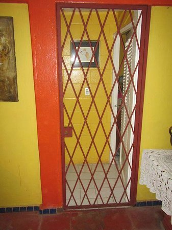 The Laughing Pelican : Door to bedrooms: lock cut out