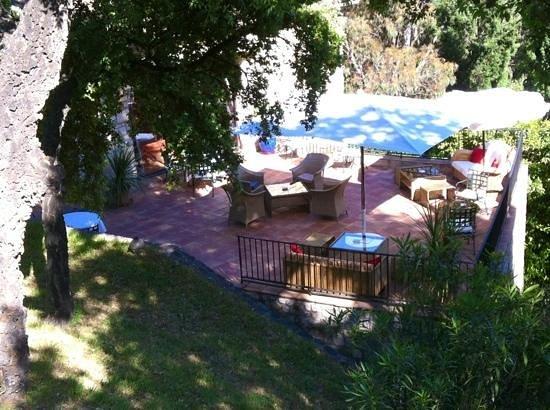 Hostellerie Le Baou : terrasse bar lounge