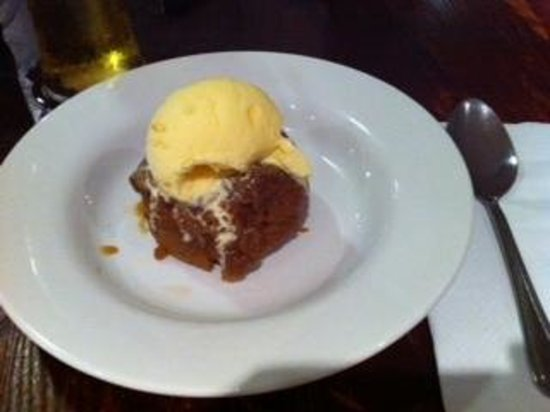 Daresbury Park Hotel: My bar meal sweet. sticky toffee pudding cost £4.50 !!!!