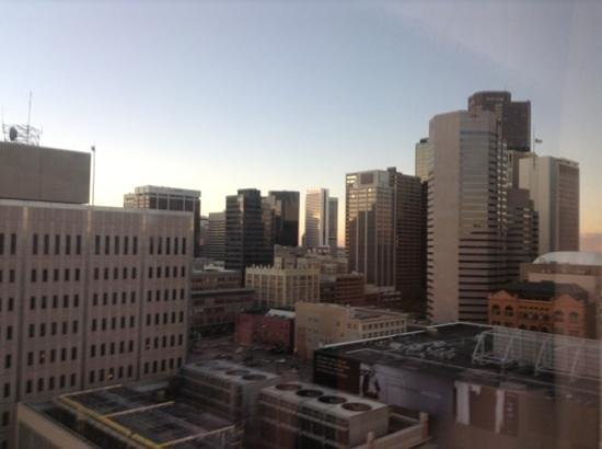 Crowne Plaza Hotel Denver : what a great view of downtown denver.