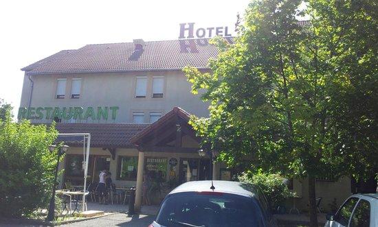 P'tit Dej-Hotel Gap Le Pre Vert: la terrasse
