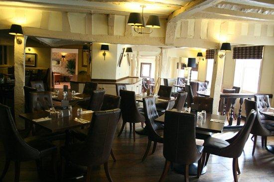 BEST WESTERN Rose And Crown In Tonbridge: Hotel restaurant