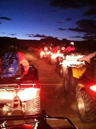 Bryce Canyon Livery Bed and Breakfast: Night time ATV tour.