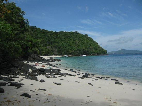 Coral Island Resort: Banana Beach (panorámica de toda la playa)