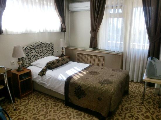 Hotel Mithat: シングルルーム