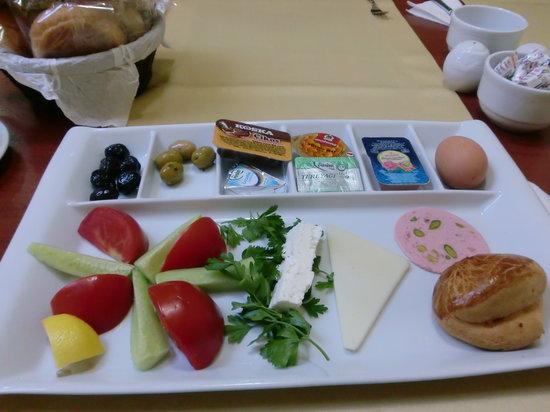 Hotel Mithat: 朝ご飯