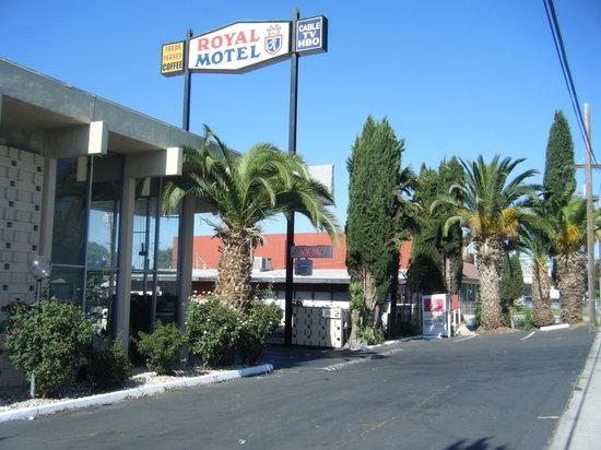 Royal Motel: Newly Renovated!