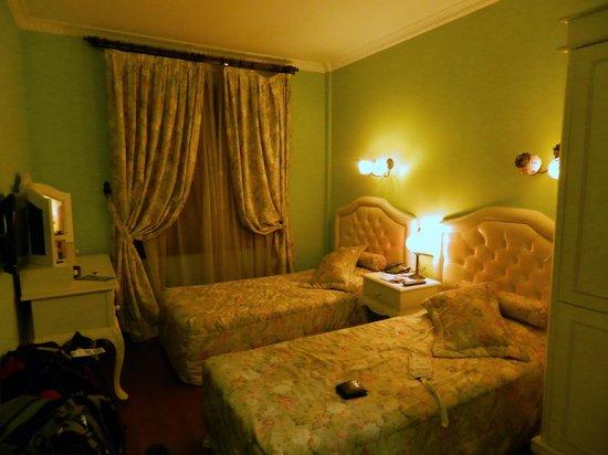 Hotel Sphendon : habitacion