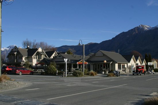 The Lodge Glenorchy: THE LODGE